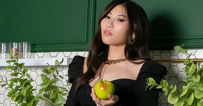 Asian cam girl NaomiTanaka